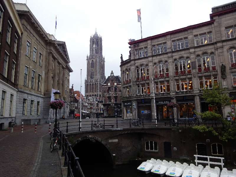 Altstadt Utrecht mit dem höchsten Kirchturm der Niederlande (112m)