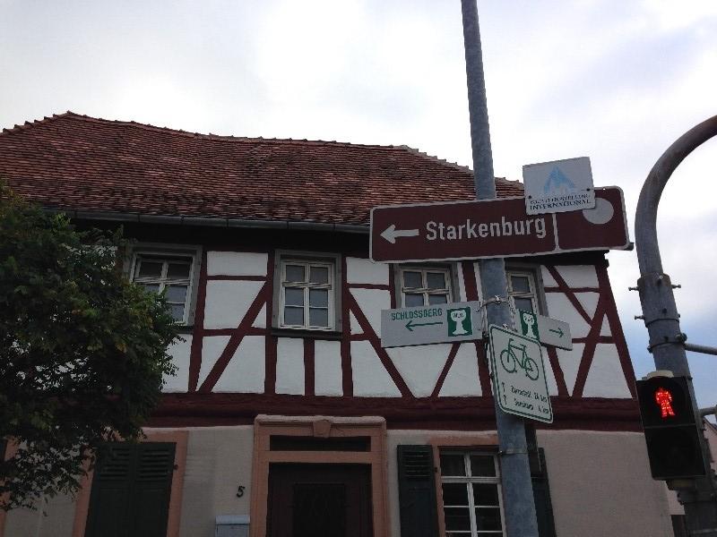 Richtung Starkenburg