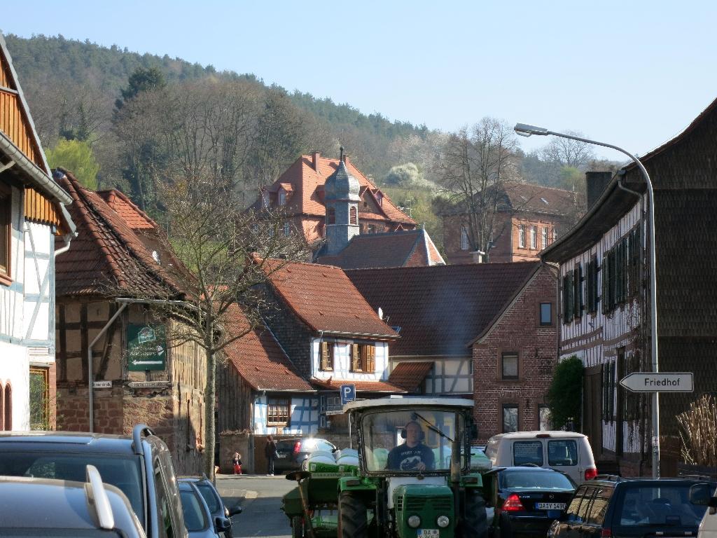 Dorfstraße in Heubach