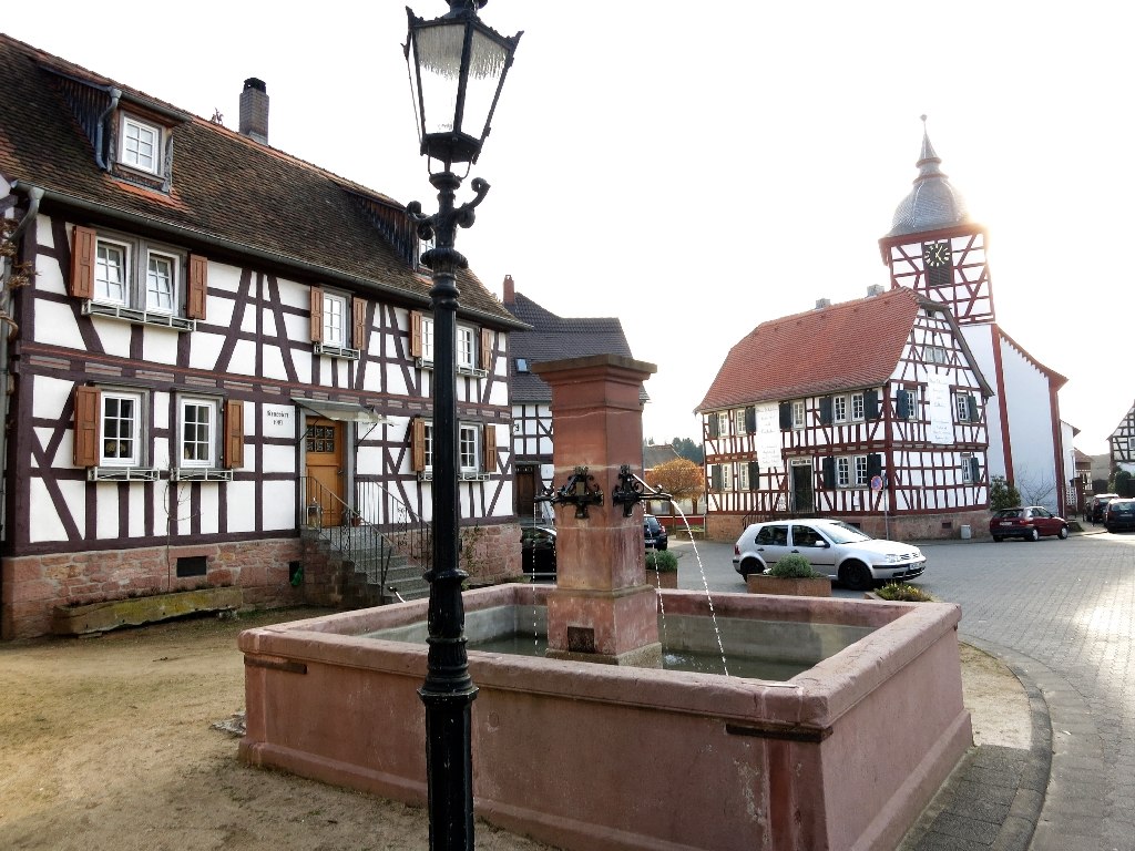 Zurück am Dorfplatz in Heubach