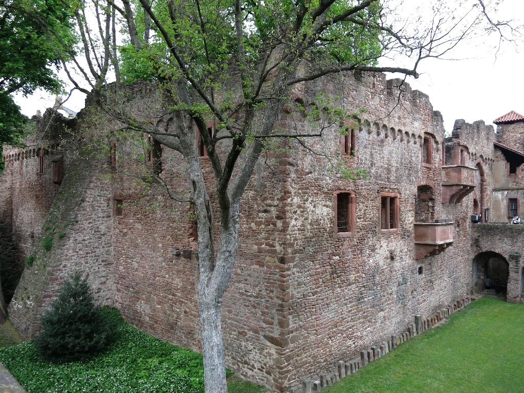 Sehenswerte Tiefburg in Handschuhsheim