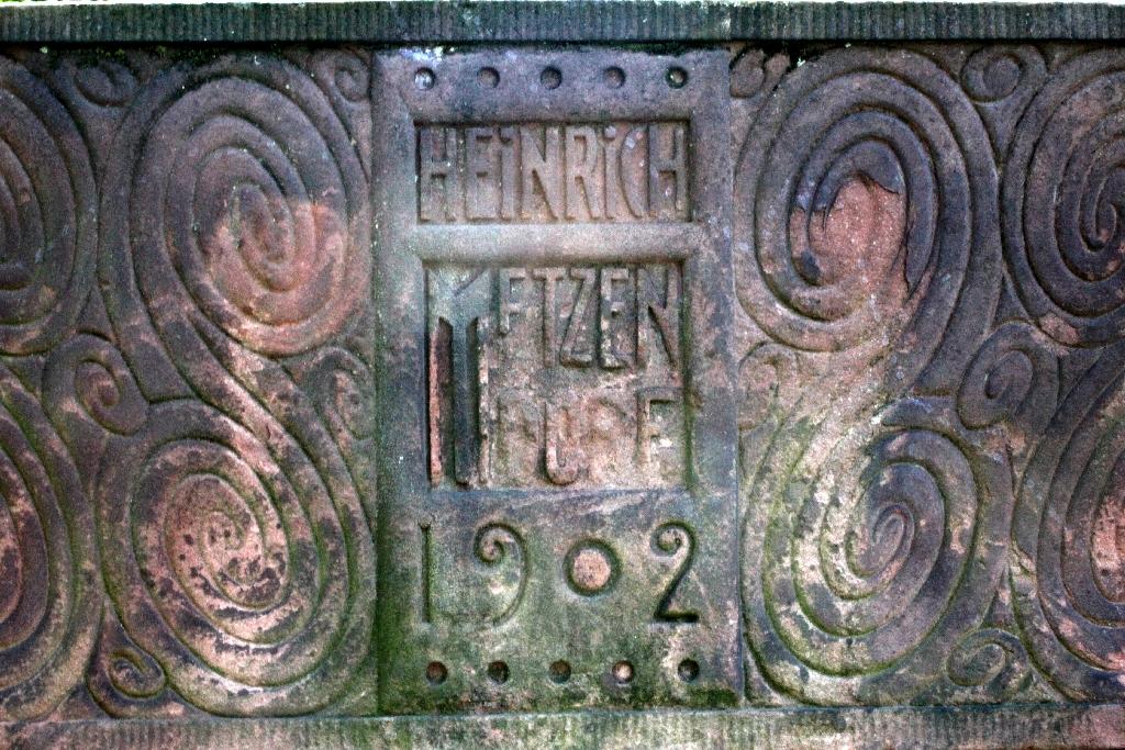 Ernst-Ludwig-Straße 25