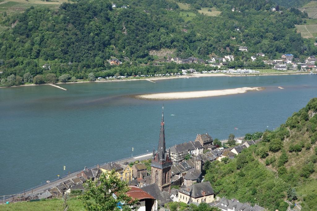 Pfingtsne 2014: wasserarmer Rhein